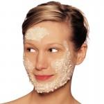 صنفرة تنظيف البشرة بخلاصة الورد مقشر الوجه من دكتور اورجانيك 125مل 1 + 1 مجانا